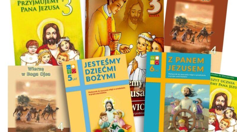 książki do religii, okładki książek na białym tle